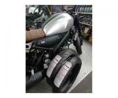 Yamaha XSR155  BATTLAX S22 110/70-17 & 140/70-17
